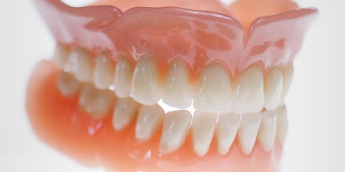 Dra. Verônica Monnerat | Próteses Dentárias Removíveis